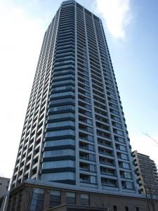 タワーマンションは見栄えも良く、グレードも高いので、いまだに売れすぎです。